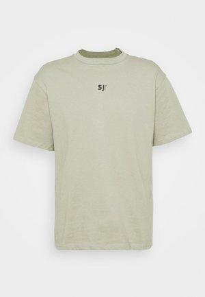 FOREST TEE - T-shirt med print - green