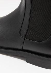Bibi Lou - Stivali sopra il ginocchio - black - 2