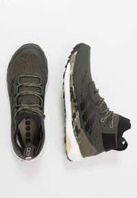 adidas Performance - TERREX FREE HIKER - Zapatillas de senderismo - raw khaki/core black - 1