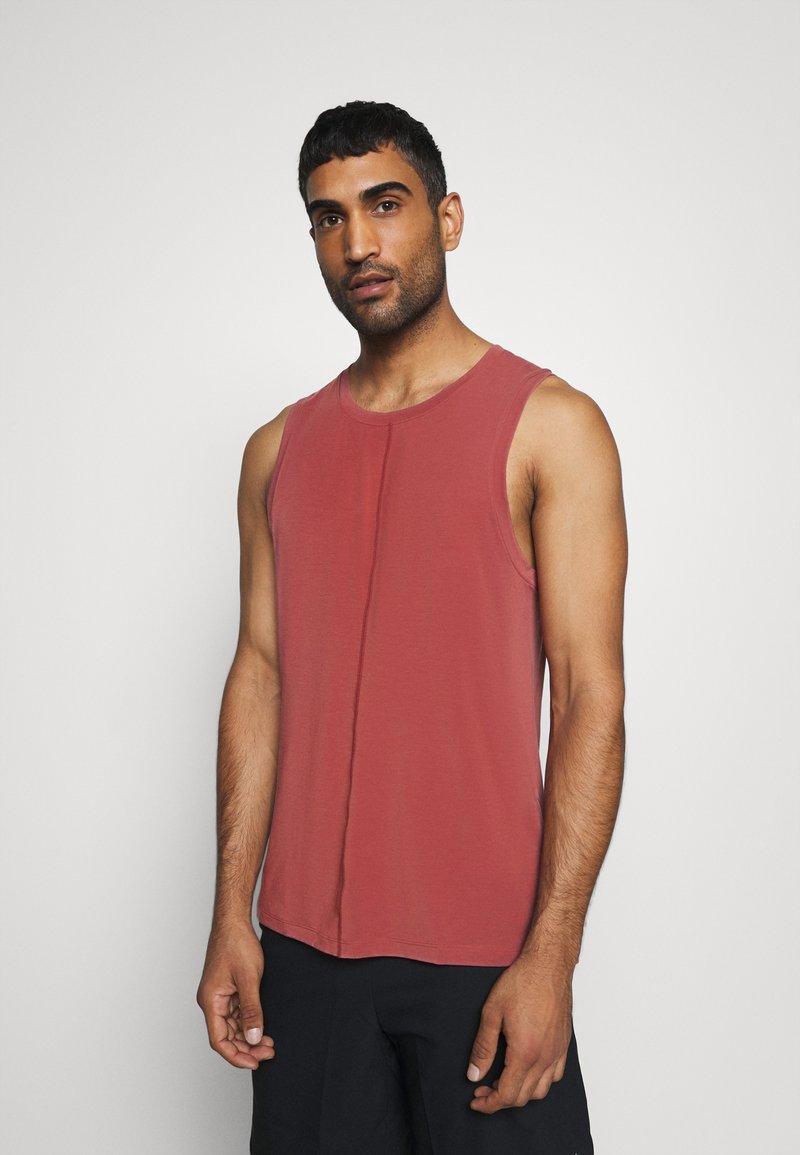 Nike Performance - TANK  - Sports shirt - claystone red/black