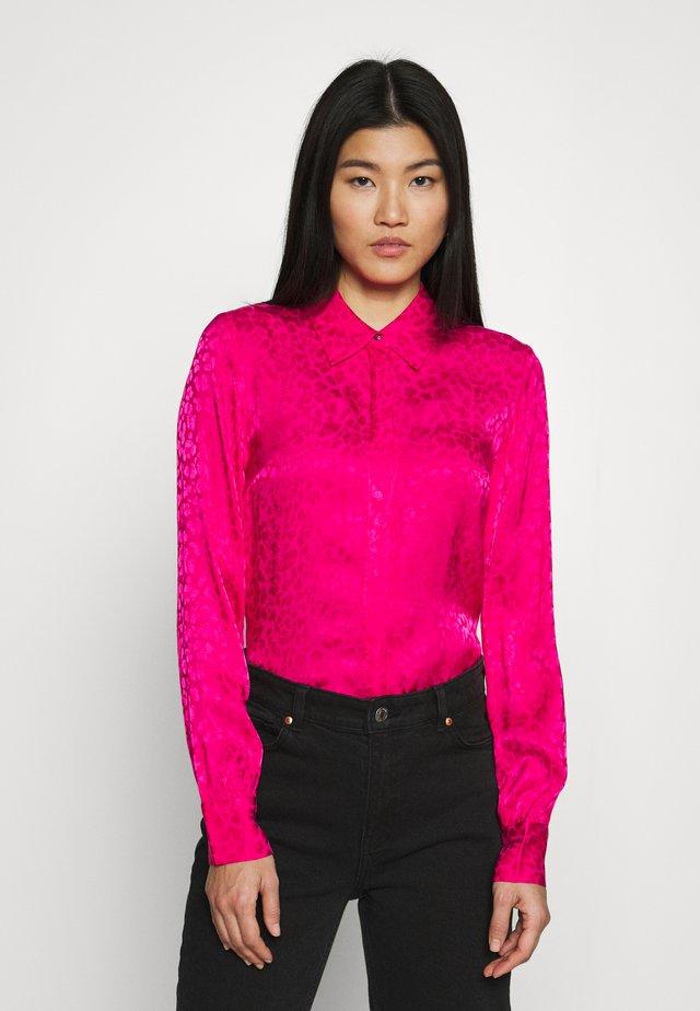 FEBE - Button-down blouse - lipstick