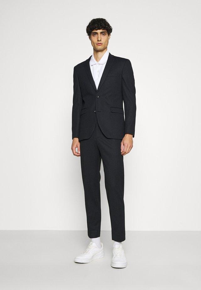 COMFORT - Costume - black