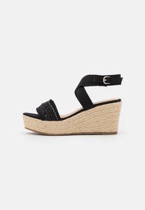 COMFORT - Korolliset sandaalit - black