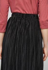 s.Oliver - Pleated skirt - black - 4