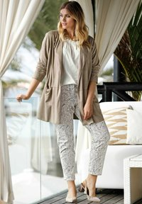 Sara Lindholm by HAPPYsize - Trousers - white - 3