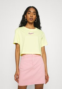 Nike Sportswear - CROP TEE  - T-shirts - zitron - 0