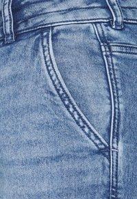 edc by Esprit - BOYFRIEND - Jeans relaxed fit - blue denim - 2