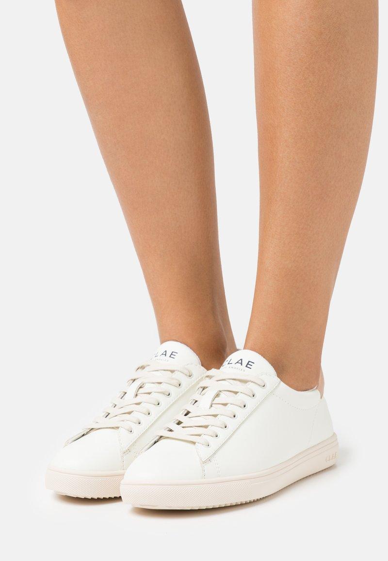 Clae - VEGAN BRADLEY - Trainers - white cactus/rose gold