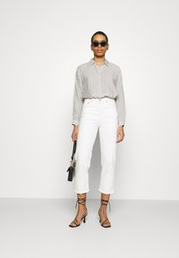 Carin Wester - BLOUSE BRIENNE - Button-down blouse - white - 1