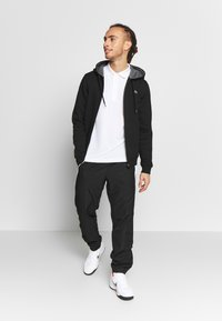 Lacoste Sport - HERREN SWEATJACKE-SH7609 - Mikina na zip - black/pitch chine - 1