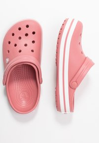 Crocs - CROCBAND  - Klapki - blossom/white - 3