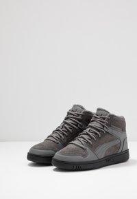 Puma - REBOUND LAYUP UNISEX - Sneakers alte - castlerock/black - 2