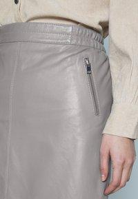 Oakwood - STREET - Leather skirt - mastic - 4