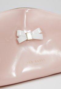 Ted Baker - EULALI - Wash bag - dusky pink - 2