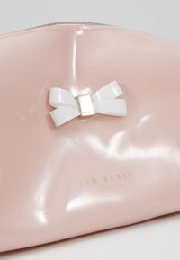 Ted Baker - EULALI - Kosmetiktasker - dusky pink - 2