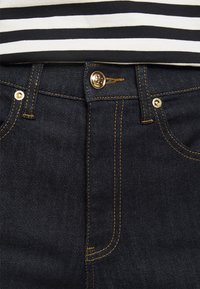 Tory Burch - CROPPED - Bootcut jeans - resin rinse - 4