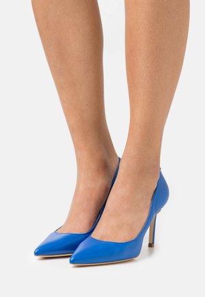 DAFNE - Classic heels - blue