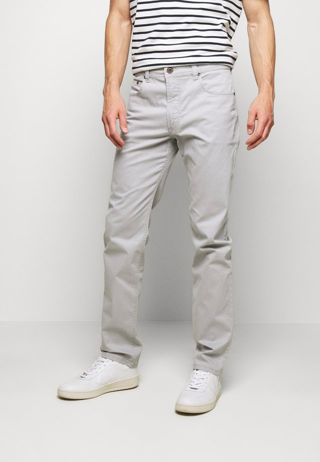 BROKEN TWILL TROUSER - Broek - light grey