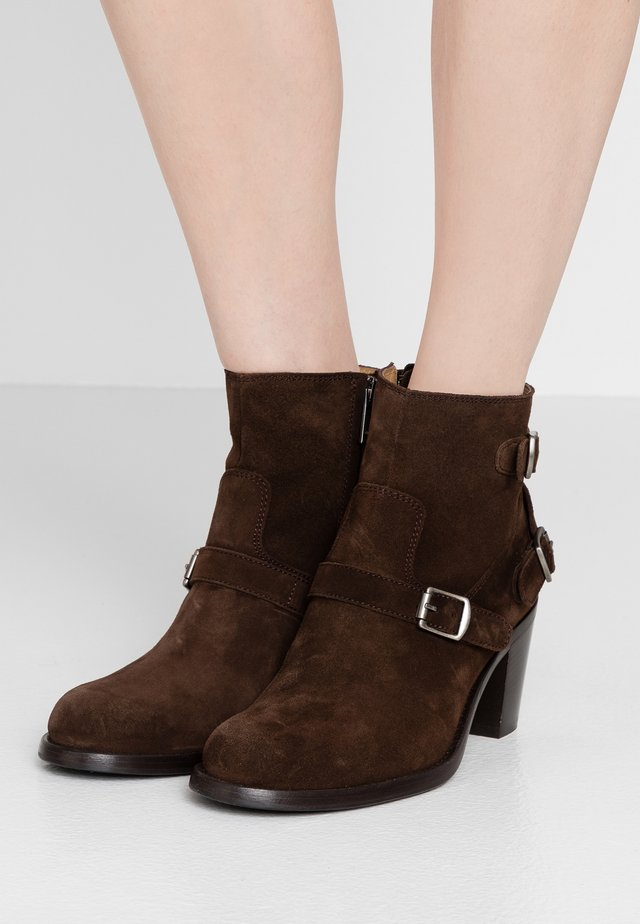 TRIALMASTER  - Boots à talons - dark brown