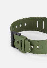 Casio - Digitální hodinky - green - 2
