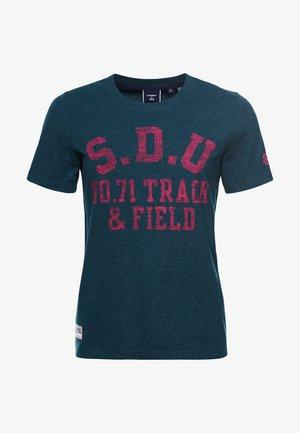 TRACK & FIELD  - Print T-shirt - pine