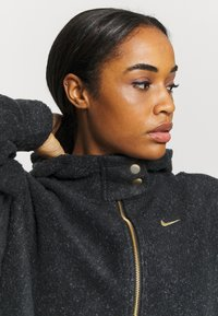 Nike Performance - COZY - Fleece jacket - black/metallic gold - 3