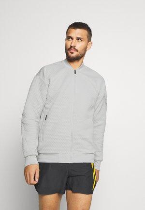 TERREX HIKE  - Sportovní bunda - grey