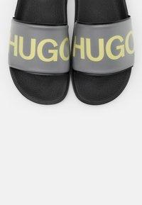 HUGO - MATCH - Pantofle - black - 5