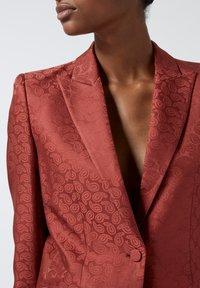 The Kooples - Classic coat - pin01 - 4