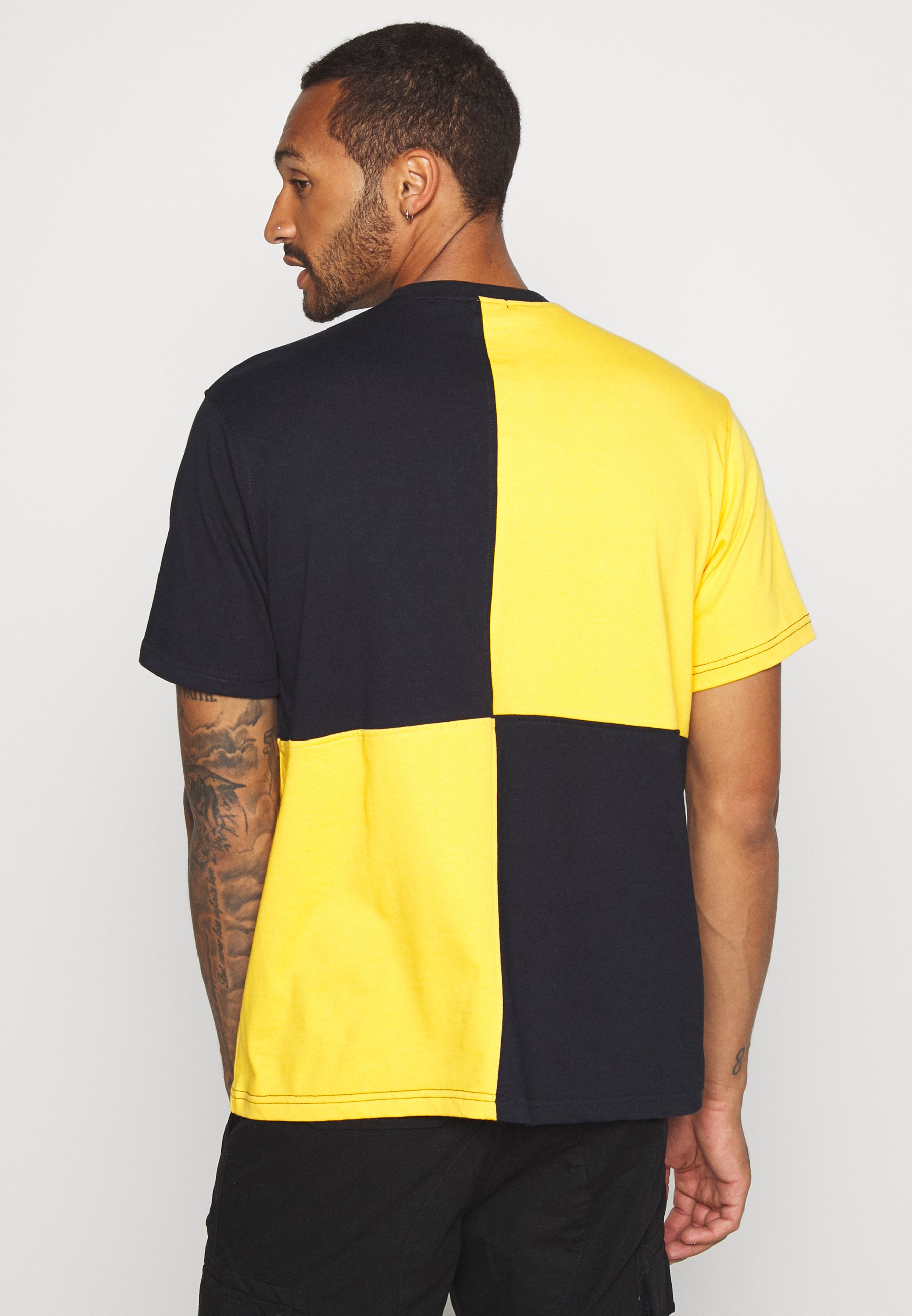 Mennace QUARTER PANEL - Print T-shirt - yellow ALQxy