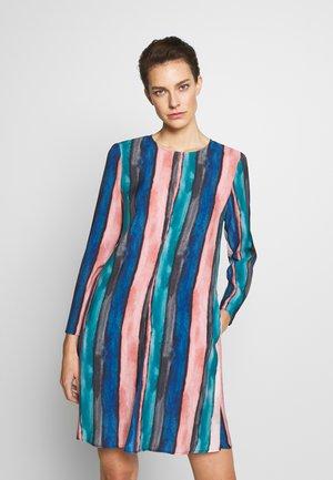 CAPPERO - Korte jurk - china blue pattern