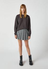 PULL&BEAR - A-snit nederdel/ A-formede nederdele - mottled grey - 1
