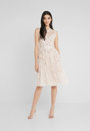 SHIMMER DITSY DRESS - Cocktailklänning - pearl rose
