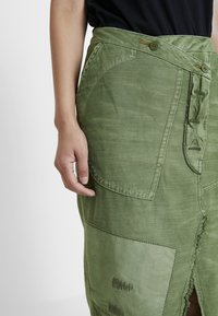 Free People - ECHO SKIRT - Pencil skirt - moss - 4