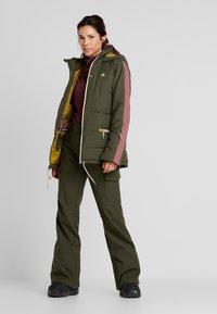 Burton - KEELAN  - Snowboardová bunda - olive - 1