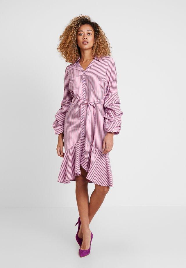 STRIPED DRESS - Paitamekko - lavender/red