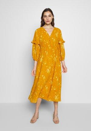 RUFFLE V-NECK DRESS - Długa sukienka - ochre