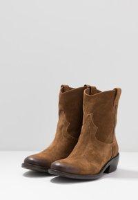 Lazamani - Cowboy/biker ankle boot - cognac - 4
