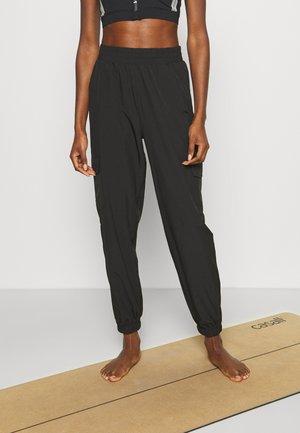 ONPOLEA LOOSE - Pantaloni sportivi - black