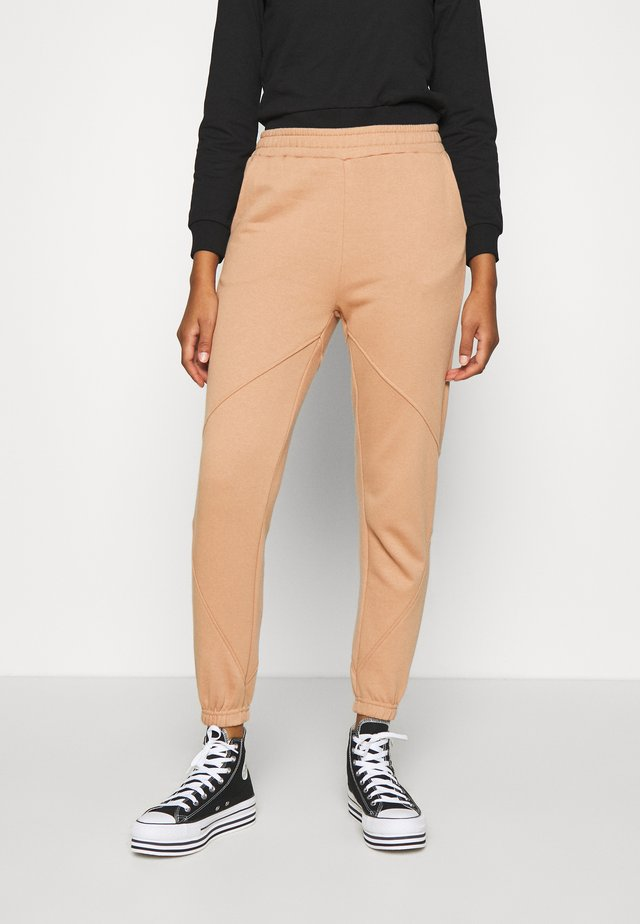 REGULAR FIT JOGGERS WITH SEAM DETAIL - Verryttelyhousut - camel