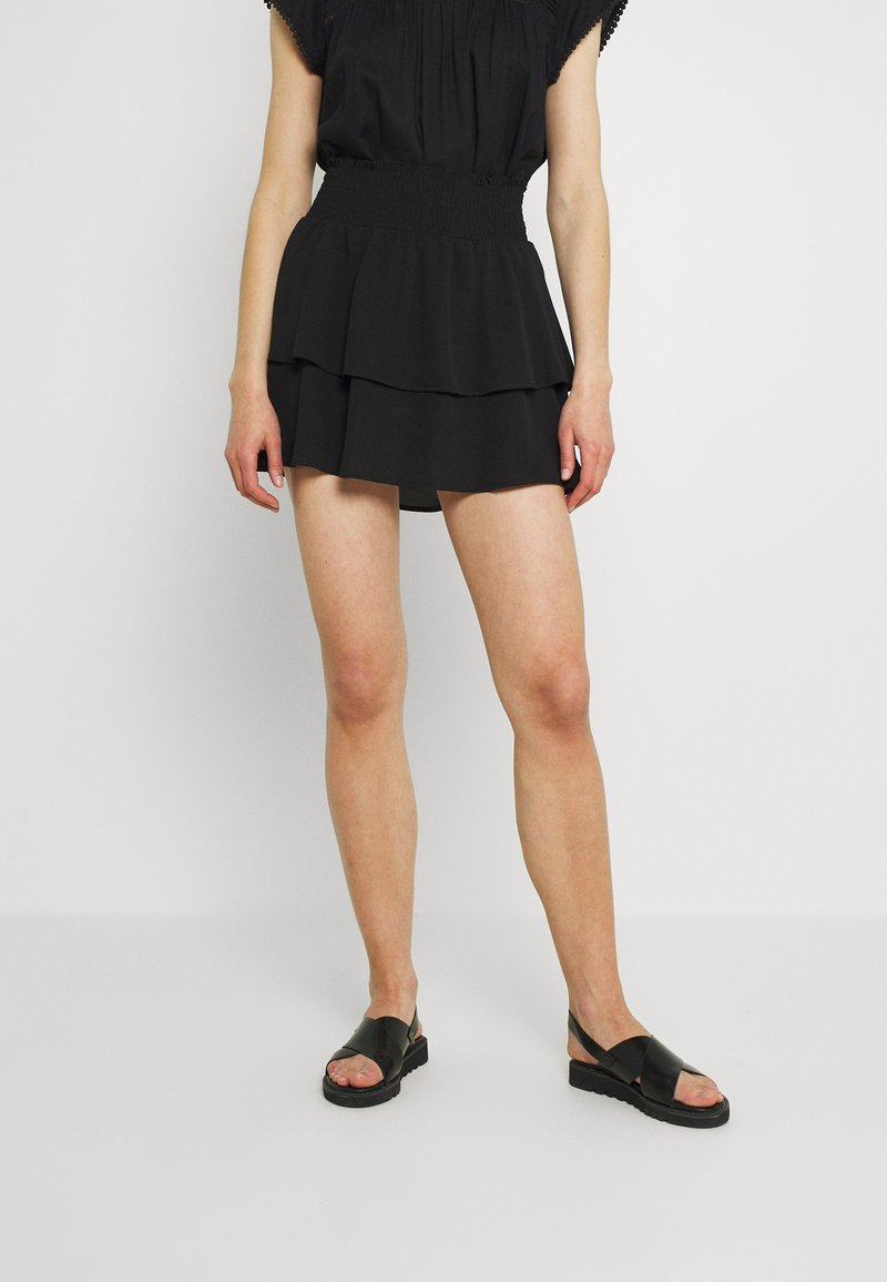 ONLY - ONLNOVA LUX SMOCK  - Falda plisada - black