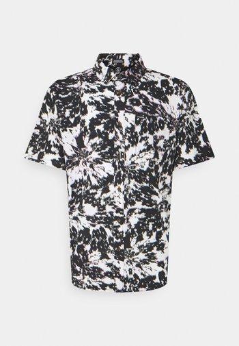 STRIVER S/S - Shirt - white