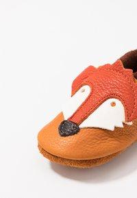 POLOLO - FUCHS - First shoes - castagno/orange - 2