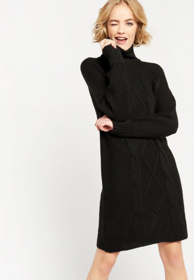 WITH ROLLNECK - Gebreide jurk - black
