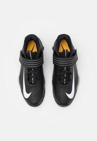 Nike Performance - SAVALEOS UNISEX - Sports shoes - black/white/grey fog/laser orange - 3