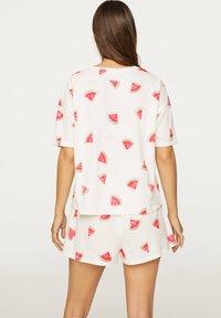 OYSHO - WATERMELON PRINT SHORTS 30321786 - Pyjamabroek - white - 1
