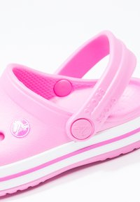 Crocs - CROCBAND RELAXED FIT - Pool slides - party pink - 5