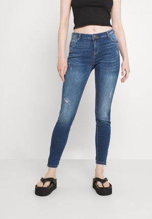 NMKIMMY  - Zúžené džíny - medium blue denim