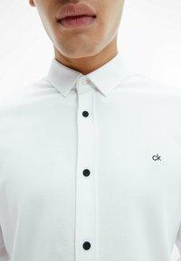Calvin Klein - SLIM  - Formal shirt - bright white - 3