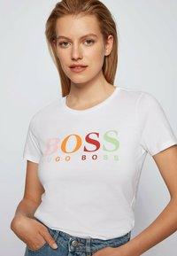 BOSS - ETIBOSS - Print T-shirt - white - 3